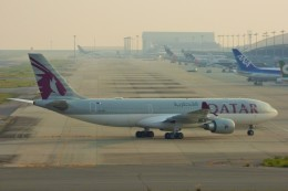 ちっとろむさんが、関西国際空港で撮影したカタール航空 A330-202の航空フォト(飛行機 写真・画像)