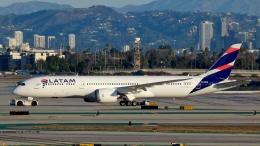 Bluewingさんが、ロサンゼルス国際空港で撮影したラタム・エアラインズ・チリ 787-9の航空フォト(飛行機 写真・画像)