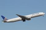 安芸あすかさんが、ロンドン・ヒースロー空港で撮影したユナイテッド航空 777-322/ERの航空フォト(写真)
