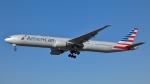 Bluewingさんが、ロサンゼルス国際空港で撮影したアメリカン航空 777-323/ERの航空フォト(写真)