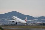 どんちんさんが、伊丹空港で撮影した日本航空 777-346の航空フォト(写真)
