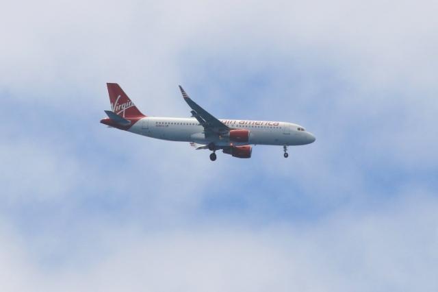 Hiro-hiroさんが、ダニエル・K・イノウエ国際空港で撮影したヴァージン・アメリカ A320-214の航空フォト(飛行機 写真・画像)