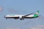 KAZFLYERさんが、成田国際空港で撮影したエバー航空 787-10の航空フォト(飛行機 写真・画像)