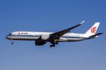 xingyeさんが、北京首都国際空港で撮影した中国国際航空 A350-941XWBの航空フォト(飛行機 写真・画像)