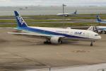 OMAさんが、羽田空港で撮影した全日空 777-281/ERの航空フォト(飛行機 写真・画像)