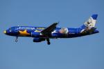 TIA spotterさんが、ロンドン・ヒースロー空港で撮影したユーロウイングス A320-214の航空フォト(写真)