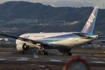 Runway747さんが、伊丹空港で撮影した全日空 777-281/ERの航空フォト(写真)