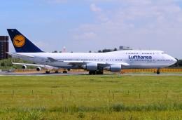 キットカットさんが、成田国際空港で撮影したルフトハンザドイツ航空 747-430の航空フォト(飛行機 写真・画像)