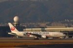 khideさんが、伊丹空港で撮影した日本航空 777-246の航空フォト(写真)