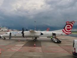 マッペケさんが、ワルシャワ・フレデリック・ショパン空港で撮影したユーロロット DHC-8-402Q Dash 8の航空フォト(飛行機 写真・画像)