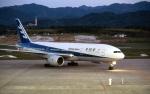 LEVEL789さんが、高松空港で撮影した全日空 777-281の航空フォト(飛行機 写真・画像)