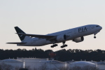 ANA744Foreverさんが、成田国際空港で撮影したパキスタン国際航空 777-240/ERの航空フォト(写真)