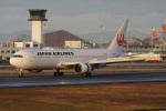 神宮寺ももさんが、高松空港で撮影した日本航空 767-346/ERの航空フォト(写真)