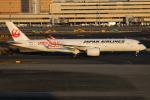 TIA spotterさんが、羽田空港で撮影した日本航空 A350-941XWBの航空フォト(写真)
