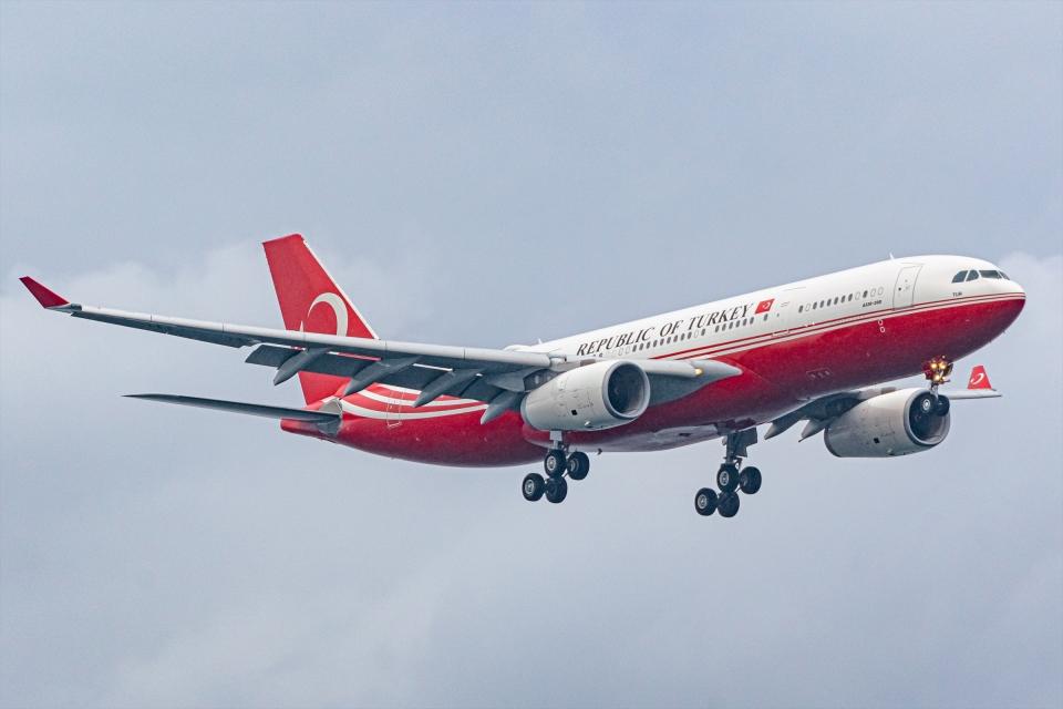 Ariesさんのトルコ政府 Airbus A330-200 (TC-TUR) 航空フォト