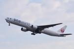 TOPAZ102さんが、伊丹空港で撮影した日本航空 777-346の航空フォト(写真)