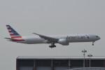 kuro2059さんが、香港国際空港で撮影したアメリカン航空 777-323/ERの航空フォト(写真)