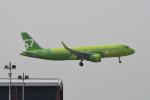 kuro2059さんが、香港国際空港で撮影したS7航空 A320-214の航空フォト(飛行機 写真・画像)