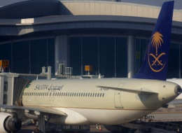 KAZKAZさんが、キング・ハーリド国際空港で撮影したサウディア A320-214の航空フォト(飛行機 写真・画像)