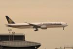 kuro2059さんが、香港国際空港で撮影したシンガポール航空 777-312/ERの航空フォト(飛行機 写真・画像)