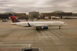 flyingmasさんが、ハーツフィールド・ジャクソン・アトランタ国際空港で撮影したデルタ航空 757-251の航空フォト(飛行機 写真・画像)