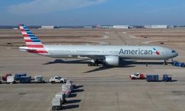 Lovely-Akiさんが、ダラス・フォートワース国際空港で撮影したアメリカン航空 777-323/ERの航空フォト(飛行機 写真・画像)