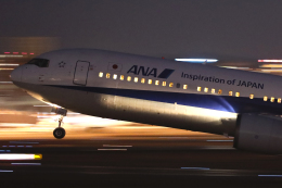 navipro787さんが、伊丹空港で撮影した全日空 767-381/ERの航空フォト(飛行機 写真・画像)