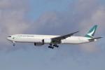 KAZFLYERさんが、成田国際空港で撮影したキャセイパシフィック航空 777-367の航空フォト(飛行機 写真・画像)