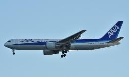 鉄バスさんが、羽田空港で撮影した全日空 767-381/ERの航空フォト(飛行機 写真・画像)