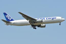 タヌキさんが、台湾桃園国際空港で撮影した全日空 767-381/ER(BCF)の航空フォト(飛行機 写真・画像)