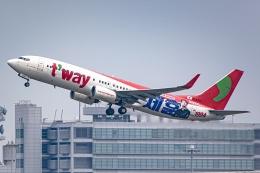 Ariesさんが、関西国際空港で撮影したティーウェイ航空 737-8KGの航空フォト(飛行機 写真・画像)