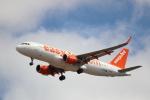 kenzy201さんが、リスボン・ウンベルト・デルガード空港で撮影したイージージェット A320-214の航空フォト(飛行機 写真・画像)