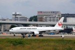 T.Sazenさんが、伊丹空港で撮影した日本航空 777-246の航空フォト(飛行機 写真・画像)