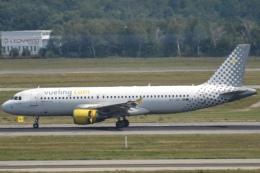 Battleshipさんが、ミラノ・マルペンサ空港で撮影したブエリング航空 A320-214の航空フォト(飛行機 写真・画像)