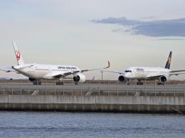 チャレンジャーさんが、羽田空港で撮影した日本航空 A350-941XWBの航空フォト(飛行機 写真・画像)
