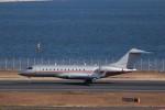 KAZFLYERさんが、羽田空港で撮影したビスタジェット BD-700-1A10 Global 6000の航空フォト(飛行機 写真・画像)