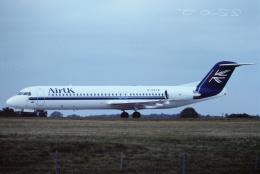 tassさんが、ロンドン・スタンステッド空港で撮影したエアUK 100の航空フォト(飛行機 写真・画像)