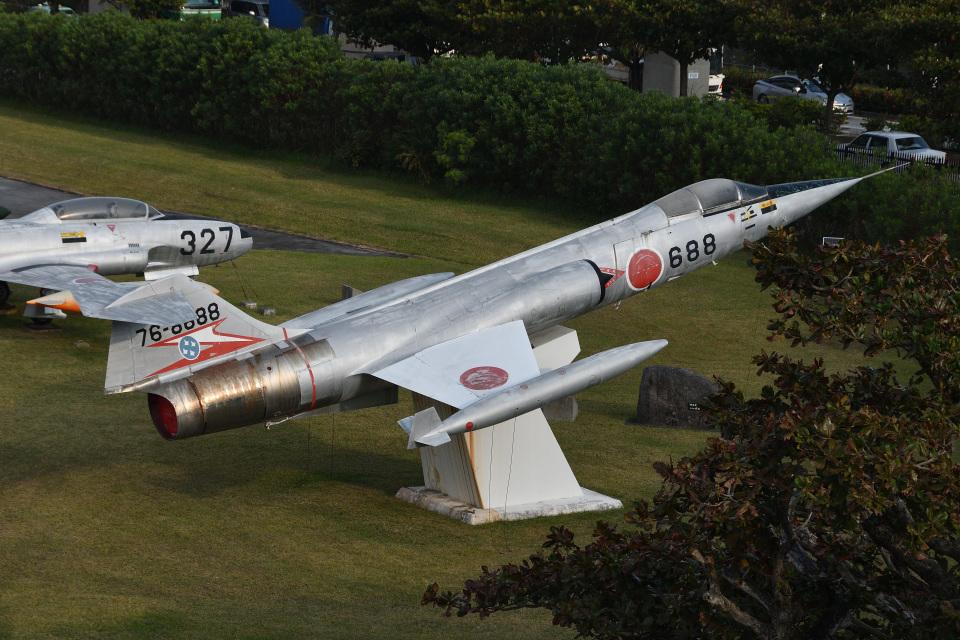 Cスマイルさんの航空自衛隊 Mitsubishi F-104 (76-8688) 航空フォト