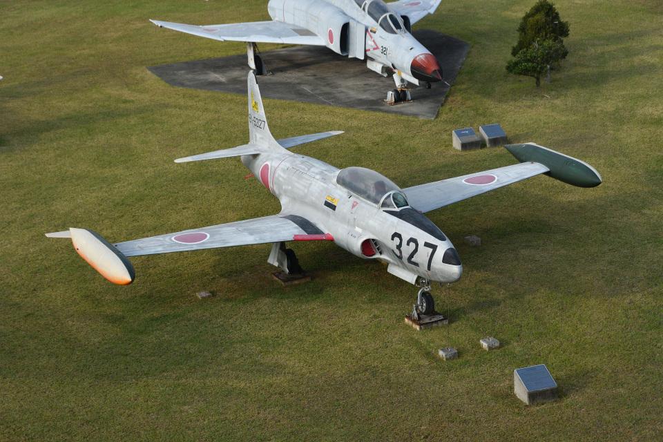 Cスマイルさんの航空自衛隊 Kawasaki T-33 (81-5327) 航空フォト