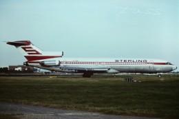tassさんが、ロンドン・ガトウィック空港で撮影したスターリング・エアウェイズ 727-2B7/Advの航空フォト(飛行機 写真・画像)