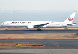 雲霧さんが、羽田空港で撮影した日本航空 777-346/ERの航空フォト(飛行機 写真・画像)