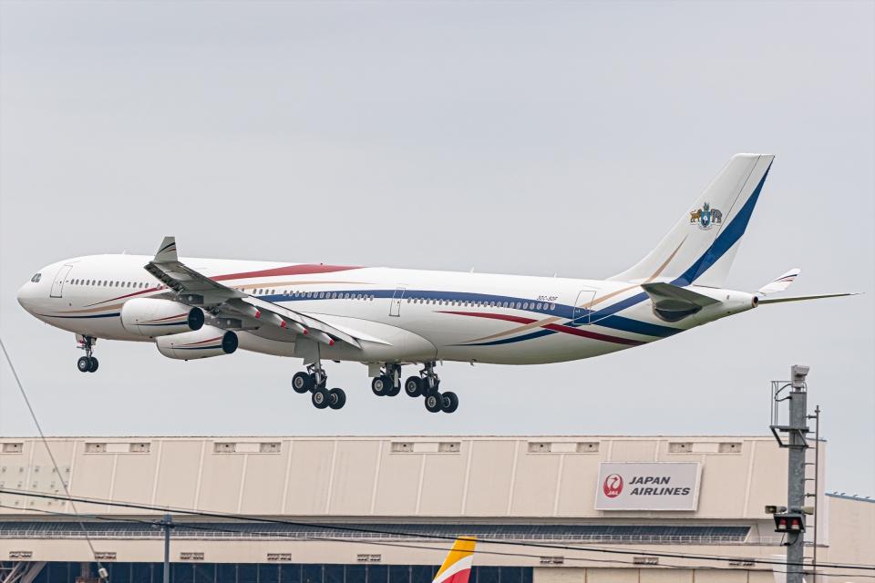 Ariesさんのスワジランド政府 Airbus A340-300 (3DC-SDF) 航空フォト