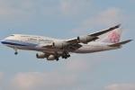 DONKEYさんが、福岡空港で撮影したチャイナエアライン 747-409の航空フォト(飛行機 写真・画像)
