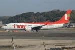 MOR1(新アカウント)さんが、福岡空港で撮影したティーウェイ航空 737-8ASの航空フォト(飛行機 写真・画像)
