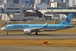 あしゅーさんが、福岡空港で撮影した大韓航空 BD-500-1A11 CSeries CS300の航空フォト(飛行機 写真・画像)