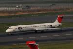 banshee02さんが、羽田空港で撮影した日本航空 MD-81 (DC-9-81)の航空フォト(飛行機 写真・画像)