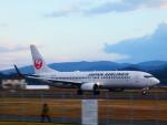yutopさんが、出雲空港で撮影した日本航空 737-846の航空フォト(飛行機 写真・画像)