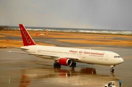 BELL602さんが、新潟空港で撮影したオムニエアインターナショナル 767-328/ERの航空フォト(飛行機 写真・画像)