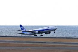 シャークレットさんが、中部国際空港で撮影した全日空 767-381/ERの航空フォト(飛行機 写真・画像)