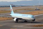 セブンさんが、関西国際空港で撮影した大韓航空 777-2B5/ERの航空フォト(飛行機 写真・画像)